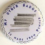 Arrosoir fabriquéà la main en étain anglais Pin's (épinglette Badge + Sac cadeau de la marque Emblems-Gifts image 4 produit