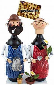 BRUBAKER Porte-bouteille de vin - Couple dans jardin / Jardiniers - Métal - Carte de vœux incluse - Idée cadeau originale - Objet décoratif de la marque Brubaker image 0 produit