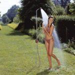Douche de jardin solo de GARDENA: douche avec jet de douche agréable, quantité d'eau réglable en continu et verrouillable, hauteur réglable en continu jusqu'à 207 cm, avec pique pour fixation au sol (961-20) de la marque Gardena image 1 produit