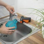 Gardena Pulvérisateur à gâchette 1l Comfort flacon pulvérisateur à usages multiples pour le ménage et le jardin, grande ouverture (805-20) de la marque Gardena image 2 produit