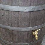 Tonneau récupérateur d'eau de pluie / 238 capacite d'un litre / Grand baril d'effet d'Oakwood avec le robinet en laiton de la marque Victorian Garden & Lighting Company image 1 produit