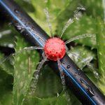 Tête de gicleurs d'irrigation, Shineus Plastique réglable Micro Drip irrigation Kits arroseurs Système émetteur pour jardin Lot de 100 de la marque Shineus image 4 produit